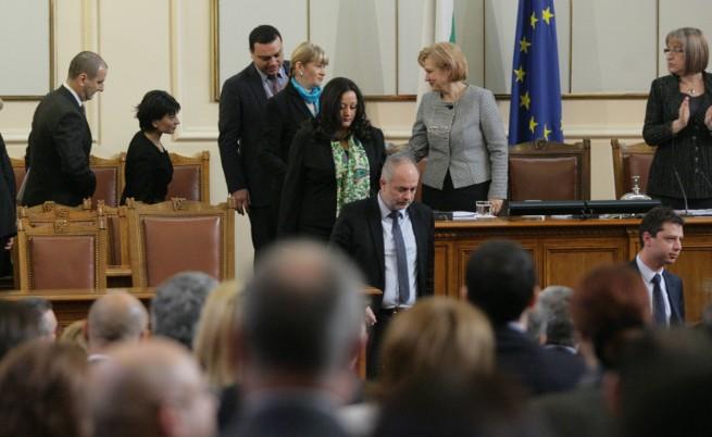 Българското правителство – поредната жертва на кризата в Европа