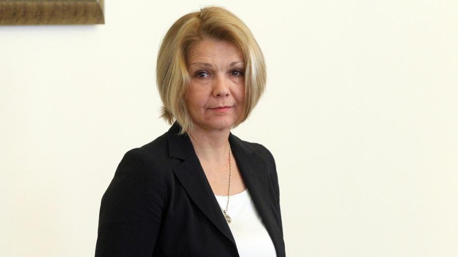 Иванова: По-вероятно цената на тока да се промени след 1 април