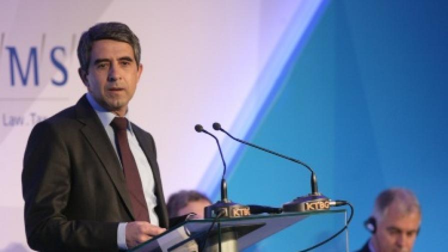Плевнелиев в Брюксел: България ще запази фискалната дисциплина