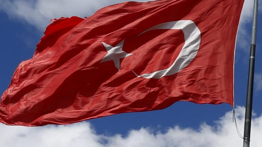Турски митничари хванаха българин с 31 хил. таблетки екстази