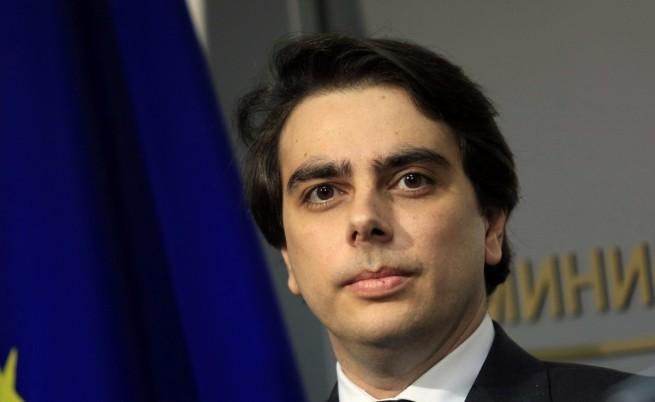 Асен Василев предлага международна проверка на високите сметки за ток