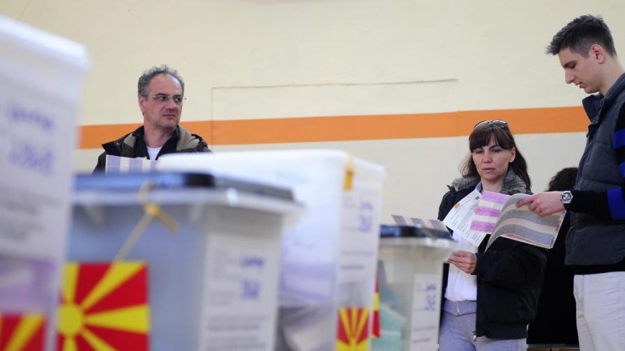 Македонските вестници: Упpавляващите спечелиха местните избоpи