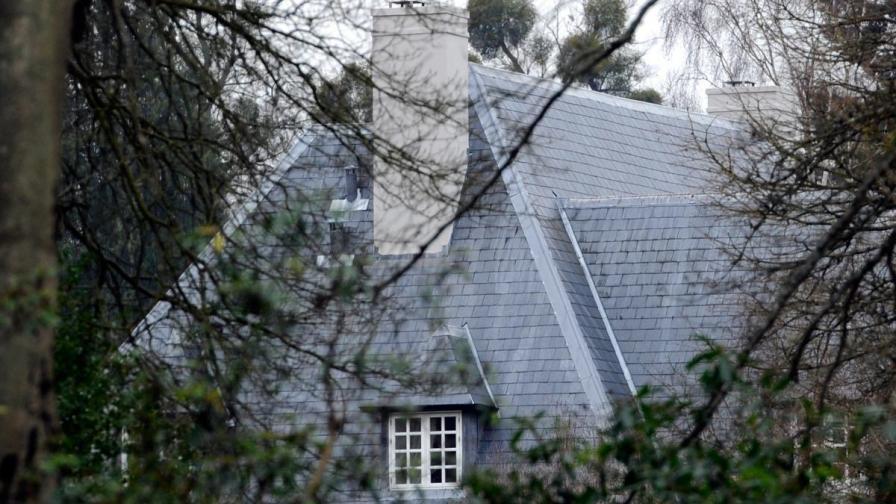 Къщата на Березовски в Беркшиър, Южна Англия, където тялото на мъртвия милиардер беше намерено в банята в събота