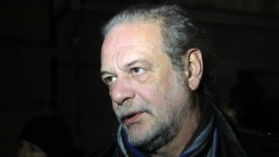 Евгений Дайнов: Цветан Василев се страхува държавата да не си изтегли парите