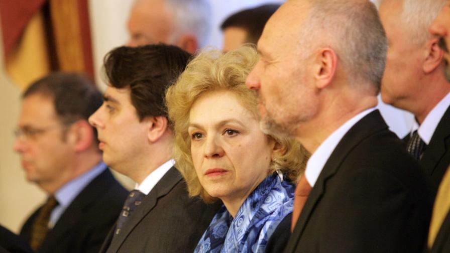 Петя Първанова подписа споразумения с 2 синдиката в МВР