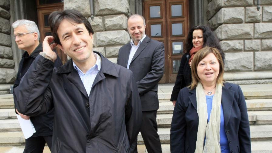 НДСВ и НПСД регистрираха първата коалиция за изборите