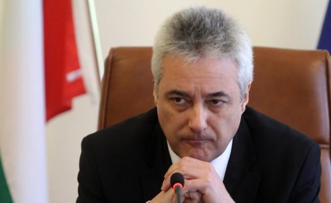 Райков: Областните управители с политически ангажимент да вземат отпуск