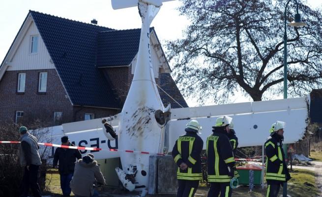 Самолет се заби на носа си в Германия