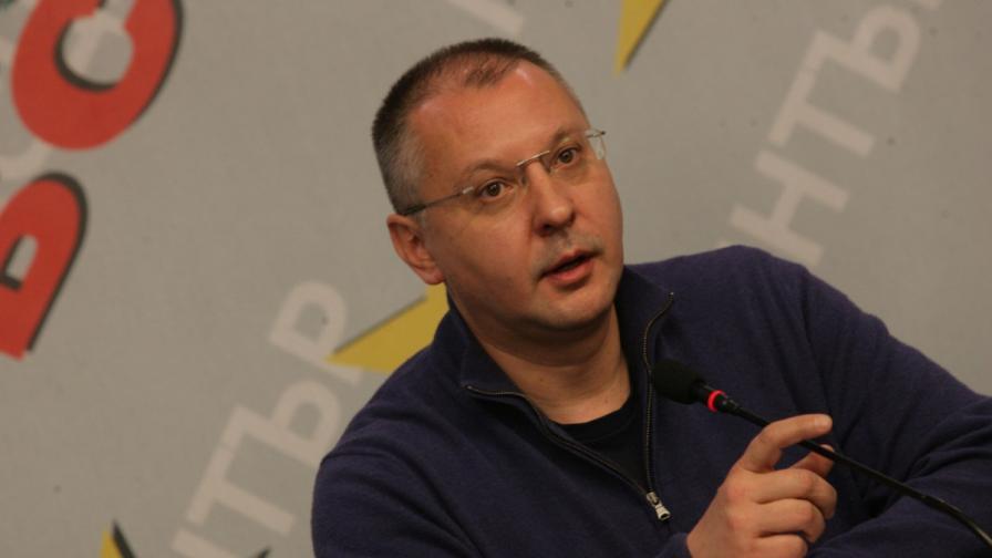 Станишев иска разследване на информация, че е бил агент на ДС