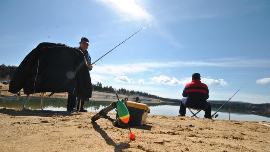 Любителският риболов е забранен до 31 май