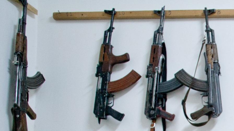 Някои от оръжията, използвани при атентатите в Париж, са били произведени в бивша Югославия