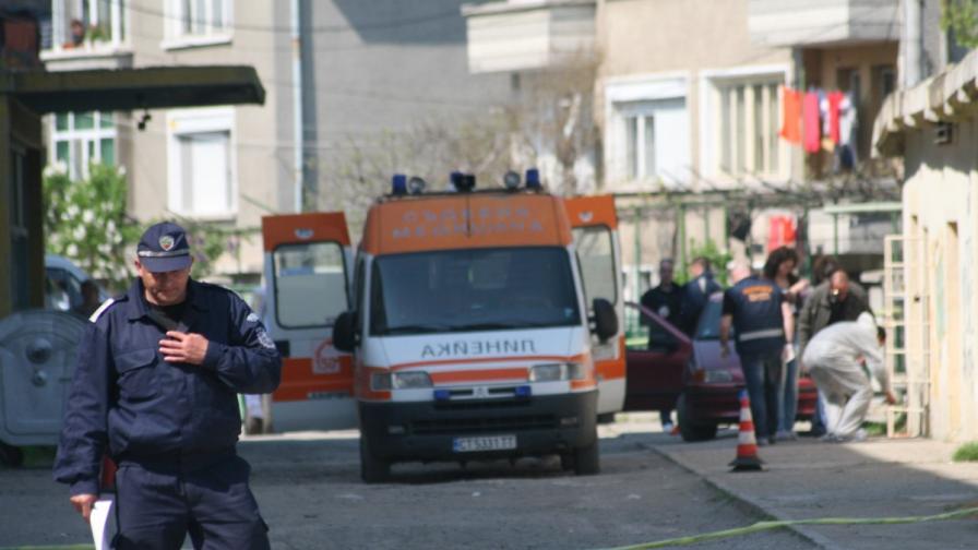 Мъж загина след стрелба в двор на училище в Стара Загора, издирват убиеца