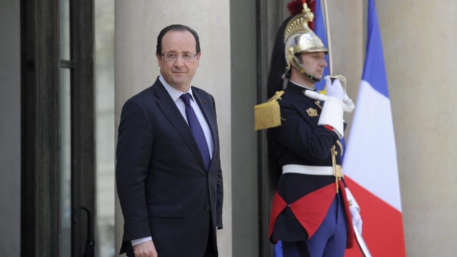 Протести за годишнината на Оланд като президент на Франция