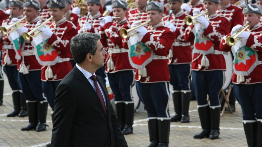 Президентът поздрави Българската армия