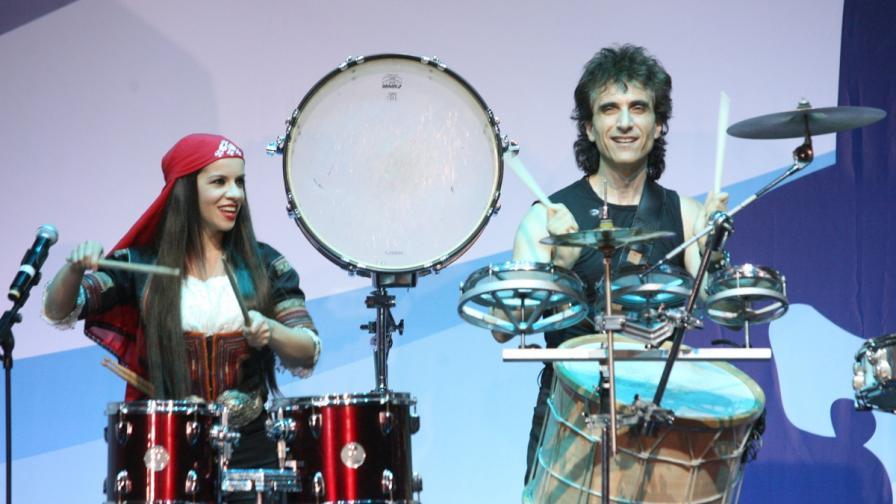 """Елица и Стунджи ще гонят зли духове на сцената на """"Евровизия 2013"""""""