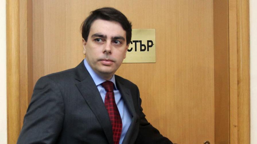 Асен Василев: Цената на тока може и да се запази и след 1 юли