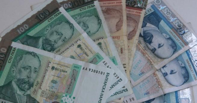 България Увеличават заплатите на учителите със 17% Учителите ще получават