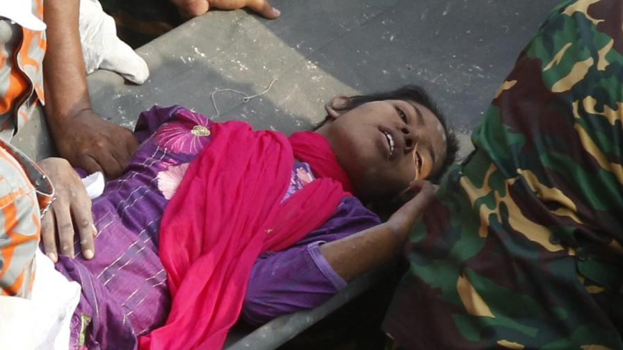Млада жена оцеля 17 дни под развалините в Дака