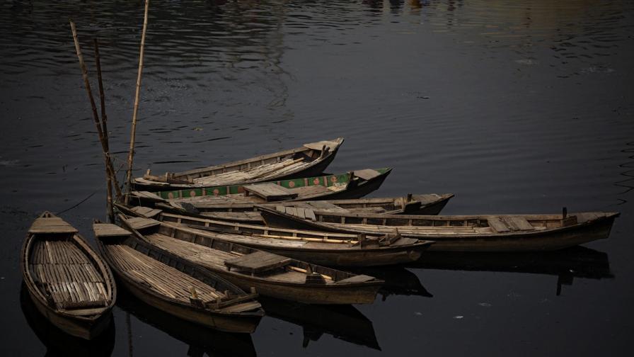 Над 50 души са загинали при преобръщане на лодки край Мианма