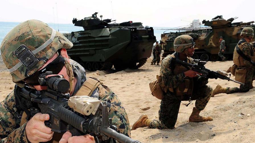 САЩ разполагат морски пехотинци в Италия за реагиране при инциденти в Либия