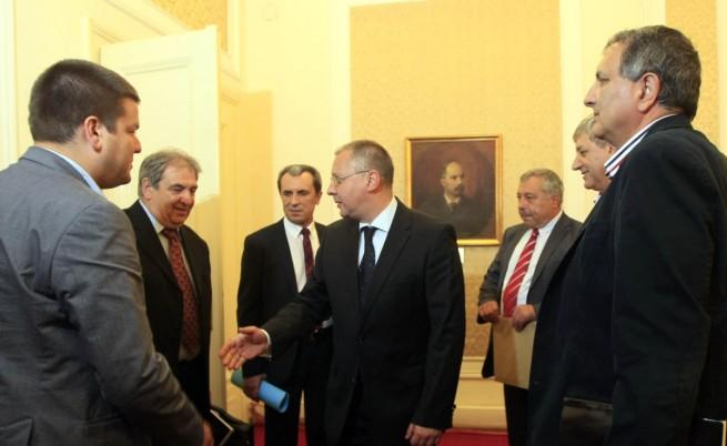 Пламен Орешарски започна консултациите за правителство