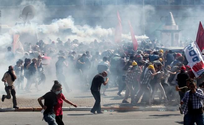1700 протестиращи разпитвани в Турция