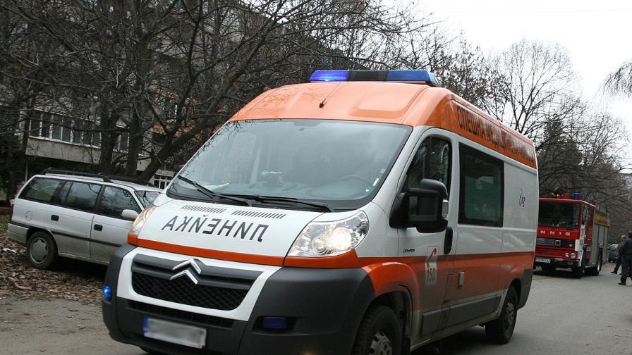 Двама заплашиха със саморазправа екип на Спешна помощ в Тервел