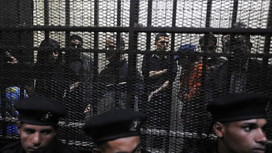 Египет осъди 43-ма души от НПО за незаконна дейност