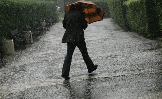 Силният дъжд създава проблеми в Североизточна България