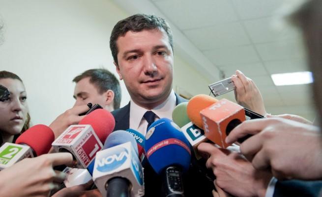 Генерал на 77 години иска да инвестира във ВМЗ - Сопот