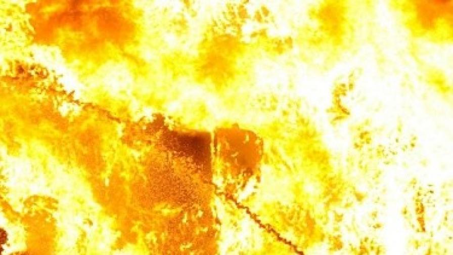 Пожар горя на кораб с 250 души на борда в Егейско море