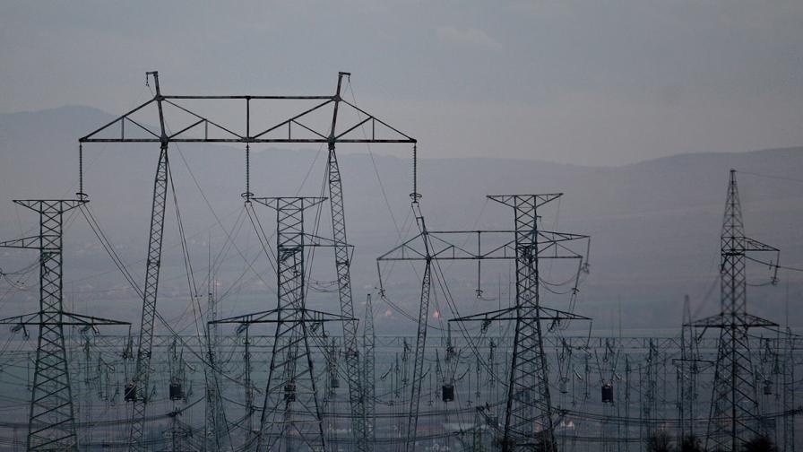 Енергийният министър обещава 5% по-евтин ток от 1 юли