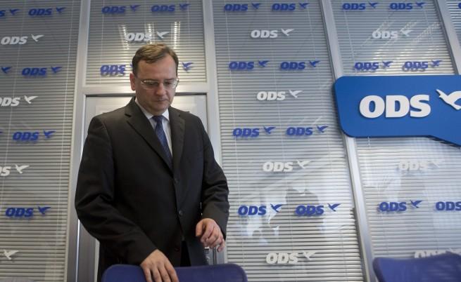 Чешкият премиер Петър Нечас подаде оставка