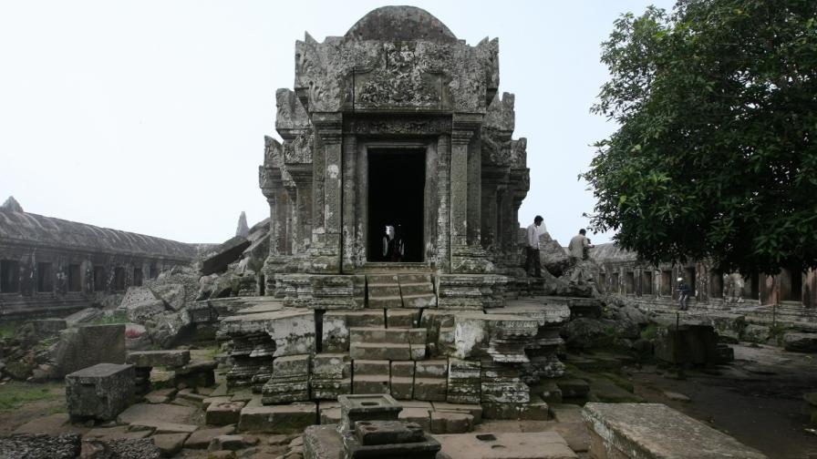 Откриха затрупан древен град в Камбоджа