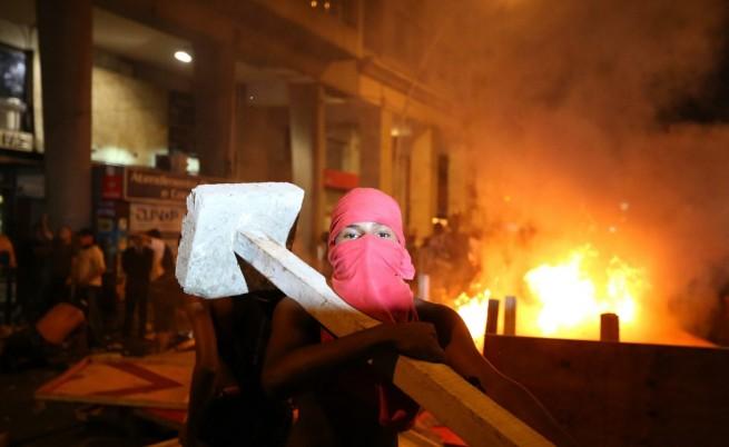 Властите в Бразилия отстъпиха и отмениха поскъпването на градския транспорт