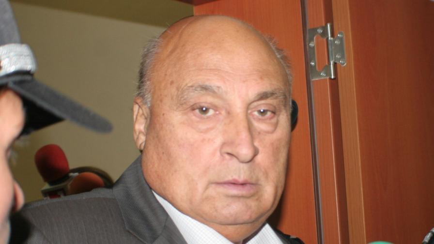 Осъдиха Кирил Рашков за укриване на данъци
