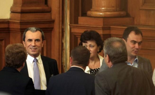 Орешарски: Не можем да работим без парламент