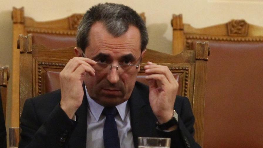 Орешарски: В България отдавна има криза на доверието