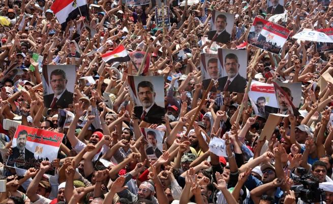 Адли Мансур разпусна египетския парламент