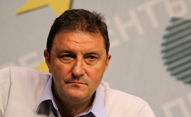 Петър Мутафчиев: Да се отнемат книжки за превишена скорост
