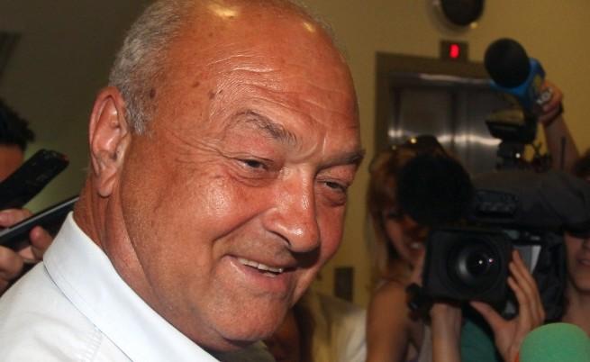 Камен Ситнилски обяви, че няма да подаде оставка