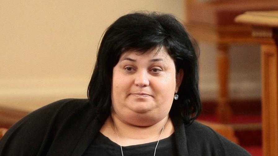Искра Фидосова напуска Народното събрание и ръководството на ГЕРБ