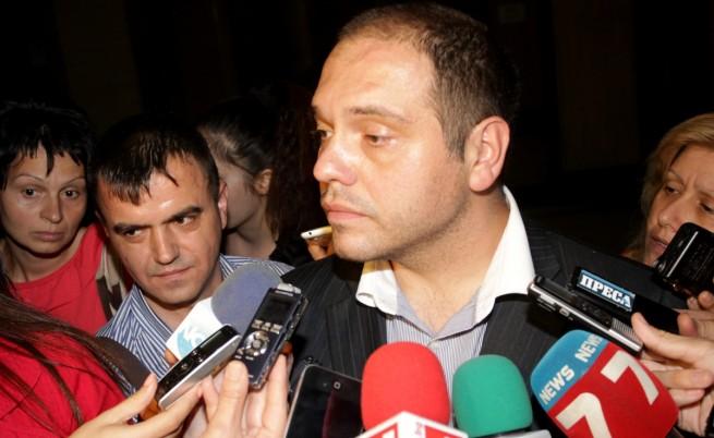 Златанов обжалва отстраняването си от длъжност