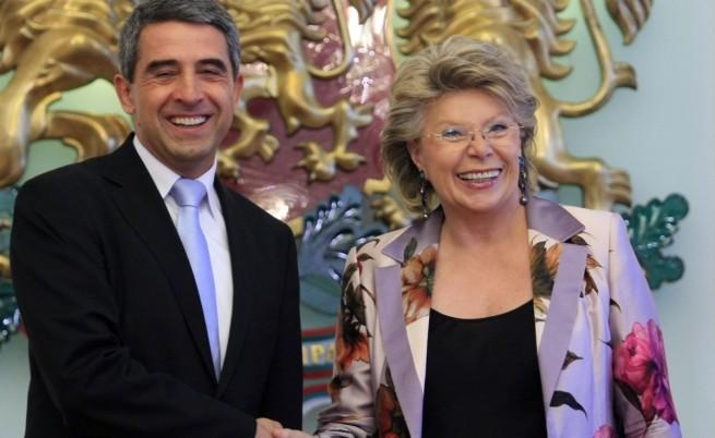 Рединг: ЕК следи с известно безпокойство събитията в България
