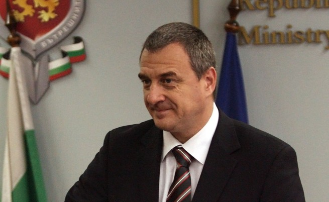 Вътрешният министър: Полицията се държи перфектно