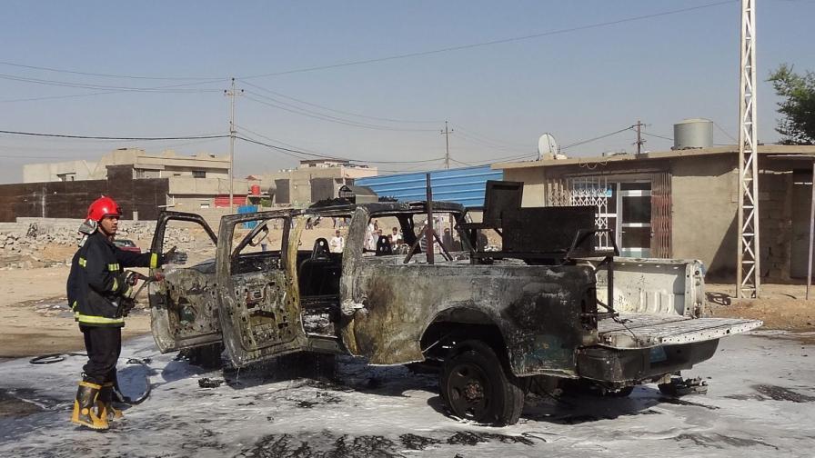Най-малко 62 души загинаха в 14 атентата с коли бомби в Ирак