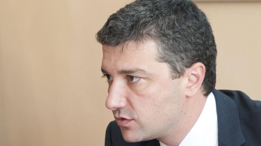 Стойнев: Дано Плевнелиев се срещне с Чобанов преди ветото
