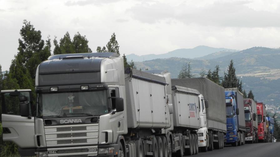 Отново опашки на турско-българската граница