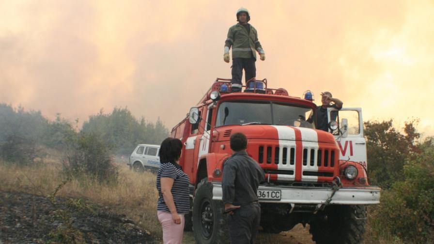 Овладени са пожарите край Стара Загора и Варна