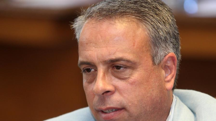 Емил Димитров за новата партия: Път на младите!